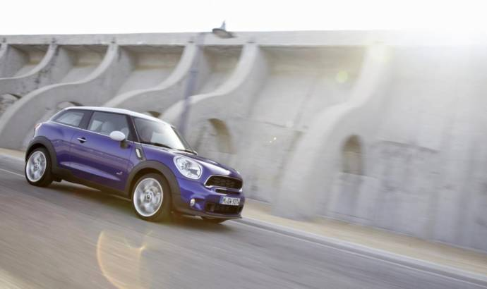 VIDEO: 2013 Mini Paceman gets caught on tape
