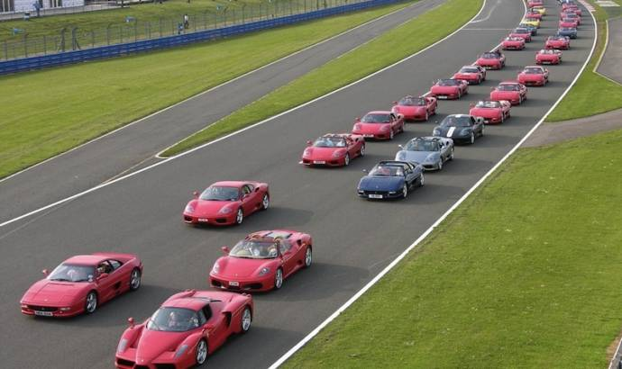 VIDEO: Largest parade of Ferrari ever: almost 1000 cars