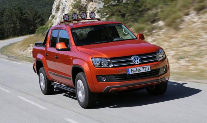 2013 Volkswagen Amarok Canyon: an orange pick-up for outdoor activities