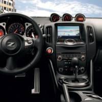 Nissan 370Z facelift roars in Paris