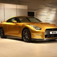 Usain Bolt and Mark Webber teamed-up for 2013 Nissan GT-R commercial (+Video)