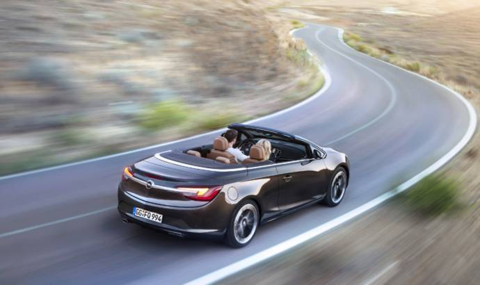 VIDEO: 2013 Opel Cascada on the move