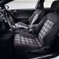 2013 Volkswagen Golf VII GTI unveiled in Paris