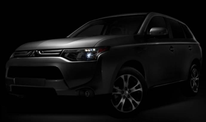 2013 Mitsubishi Outlander US debut along Outlander Sport Limited Edition