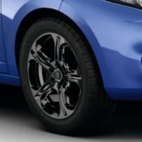 2013 Renault Megane Estate GT 220 officially revealed
