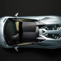 2013 Lamborghini Aventador LP700-4 Roadster unveiled