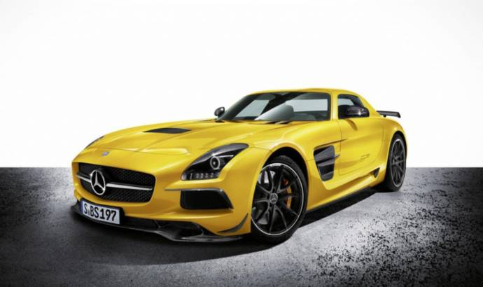 First official video of the 2013 Mercedes SLS AMG Black Series