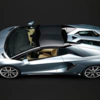 VIDEO: How to install the roof on the new Lamborghini Aventador Roadster