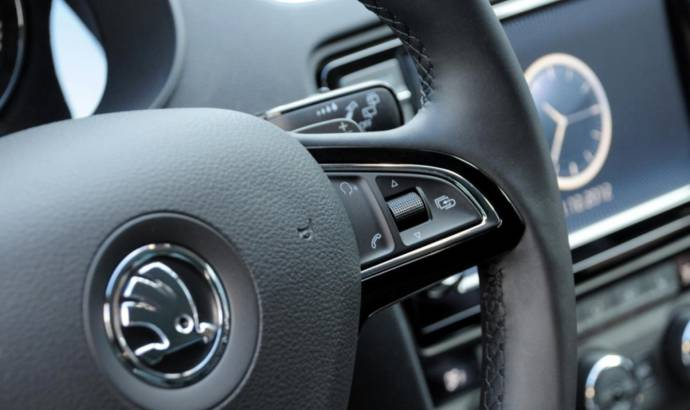 First photo of the Skoda Octavia Mk3 interior