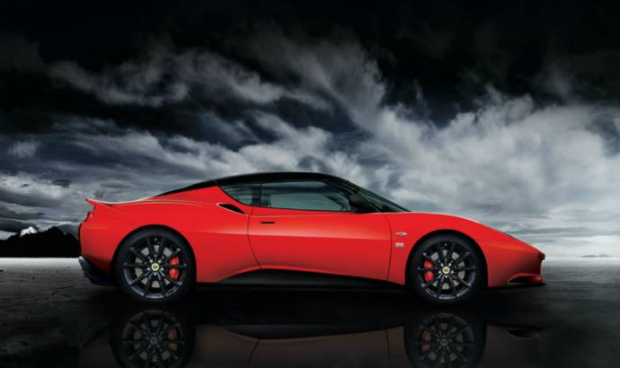 This is the 2013 Lotus Evora Sports Racer