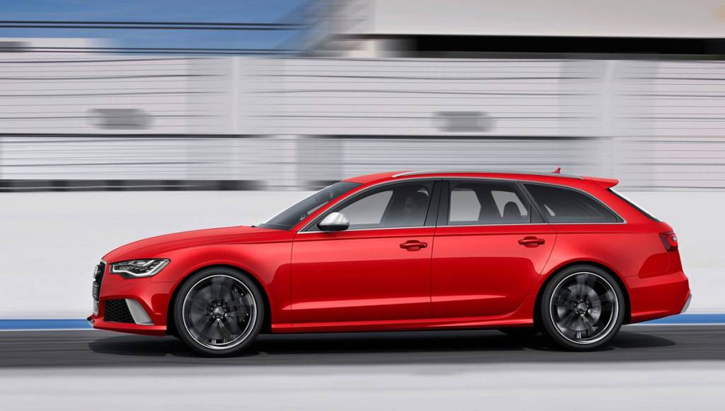 VIDEO: 2013 Audi RS6 Avant on the move