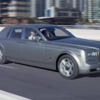 VIDEO: Rolls Royce Phantom - sweet torture with drifts and burnouts