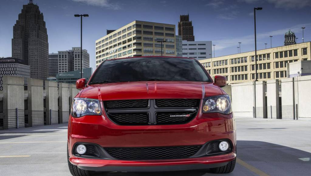Dodge Durango, Grand Caravan and Journey receive Blacktop package