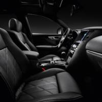 2013 Infiniti FX Black and White Edition, available for 64.570 euro