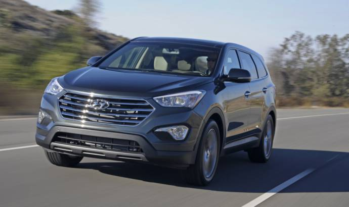 2013 Hyundai Santa Fe, priced from 28.350 dollars in the US