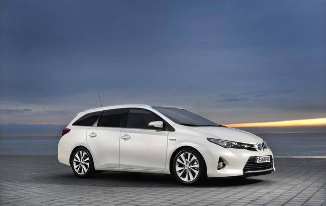 Toyota GT86 Open, i-Road Concept, Auris Tourer and RAV4 to be unveiled in Geneva Motor Show