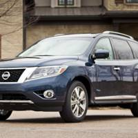 2014 Nissan Pathfinder Hybrid, introduced in New York