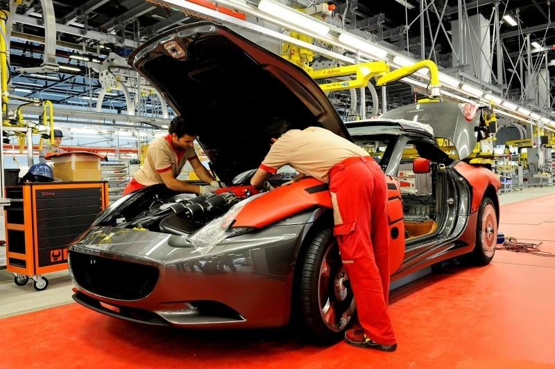 Ferrari pays 4500 euro bonus to its employees