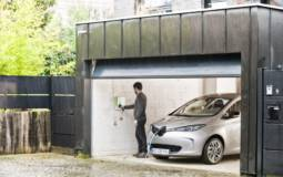 Renault to offer free wall-box charger to all Zoe customers