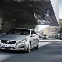 Volvo V60 Plug-in Hybrid and new misterious model to debut in New York