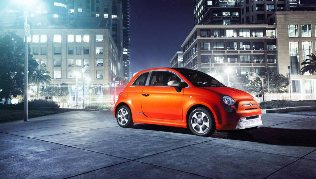 2013 Fiat 500e, starting at 32.500 dollars in the US