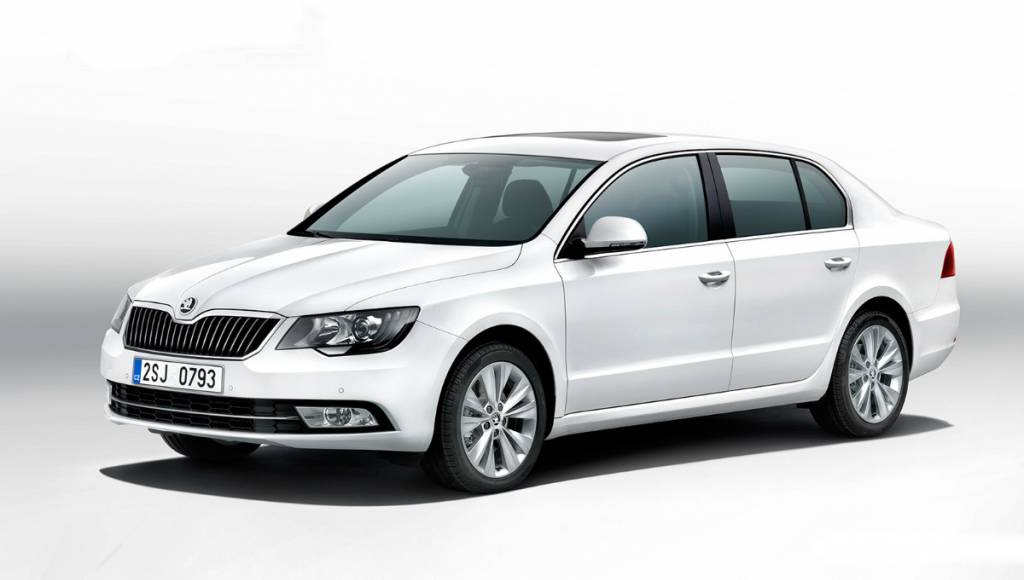 2013 Skoda Superb facelift - official photos and details