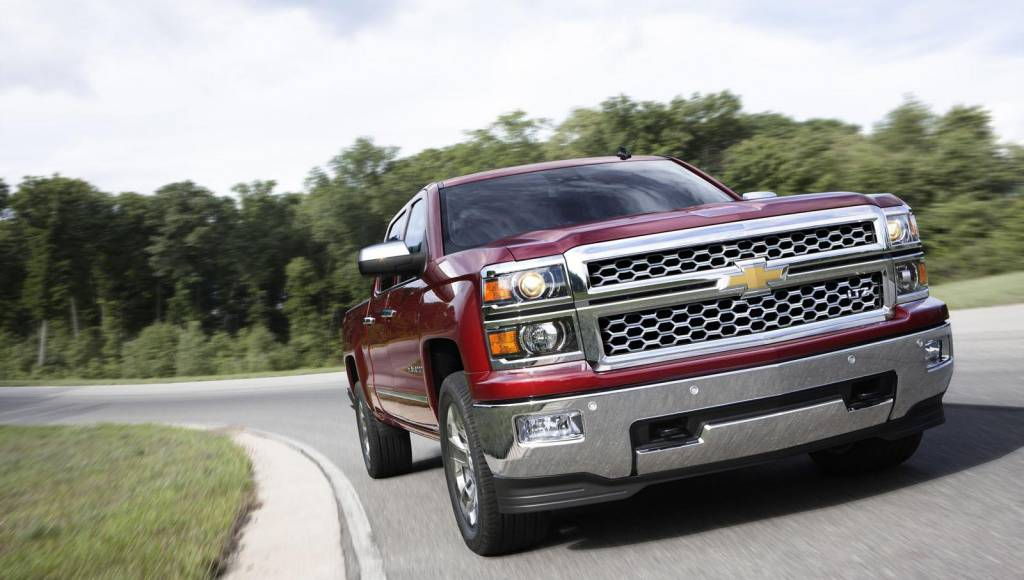 2014 Chevrolet Silverado, priced at 24.585 dollars in US