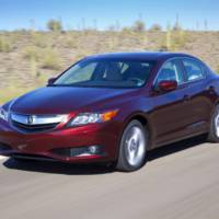 2014 Acura ILX facelift gets on the stage