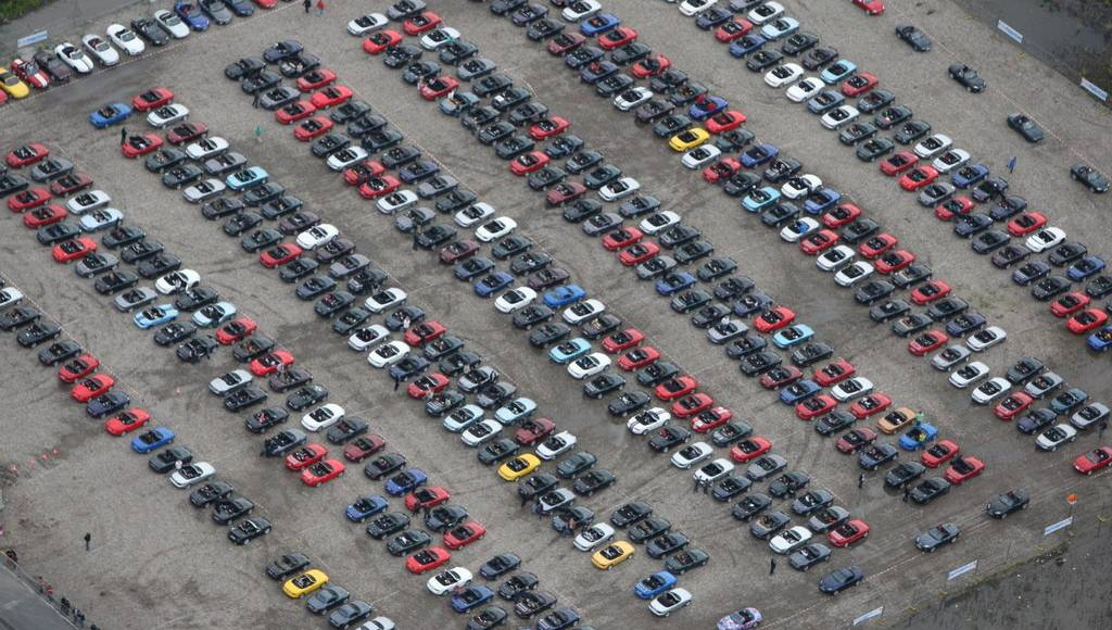 Mazda MX-5 largest parade on schedule