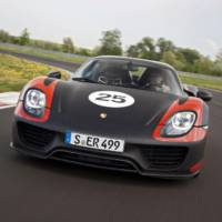 Photo Gallery: Porsche 918 Spyder shows its muscles