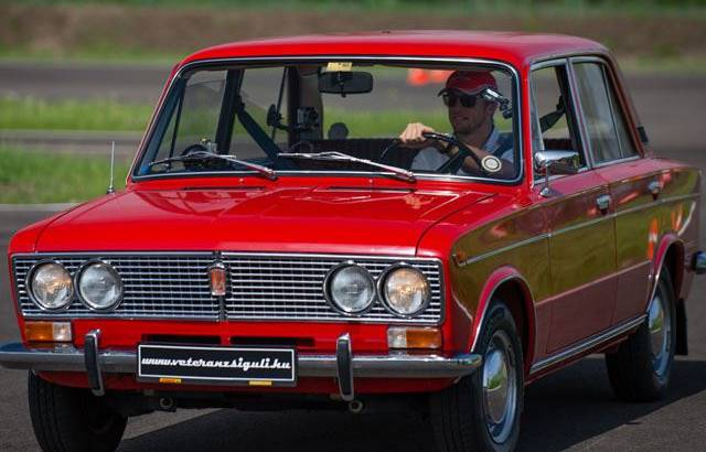 Video: Jenson Button drives a Lada 1500 at Driving Camp Hungary