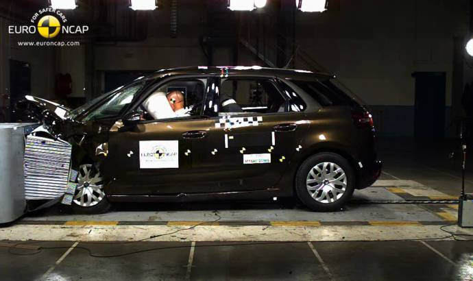 2013 Citroen C4 Picasso gets awarded with 5 EuroNCAP stars