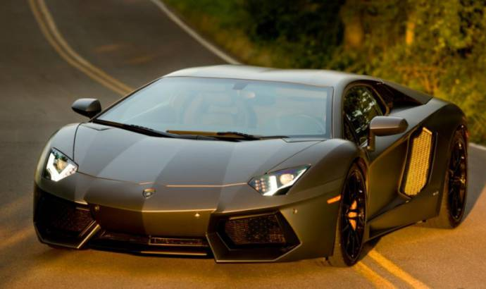 Lamborghini Aventador is joining Decepticon team in Transformers 4