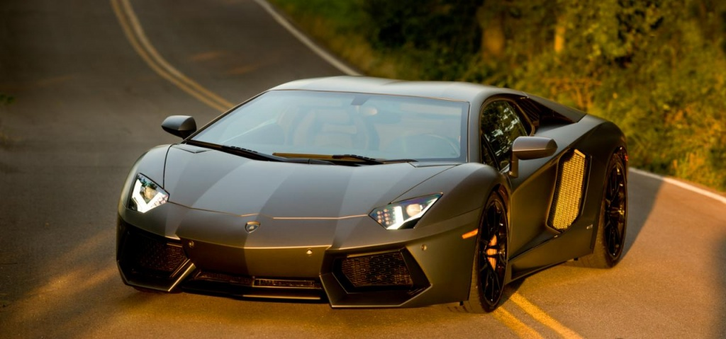 Lamborghini Aventador is joining Decepticon team in Transformers 4