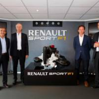 Renault has unveiled its 2014 F1 1.6 liter V6 Turbo unit