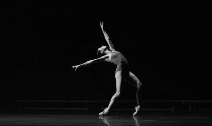 Lexus IS UK advertising campaign features ballet dancers and hip-hop music