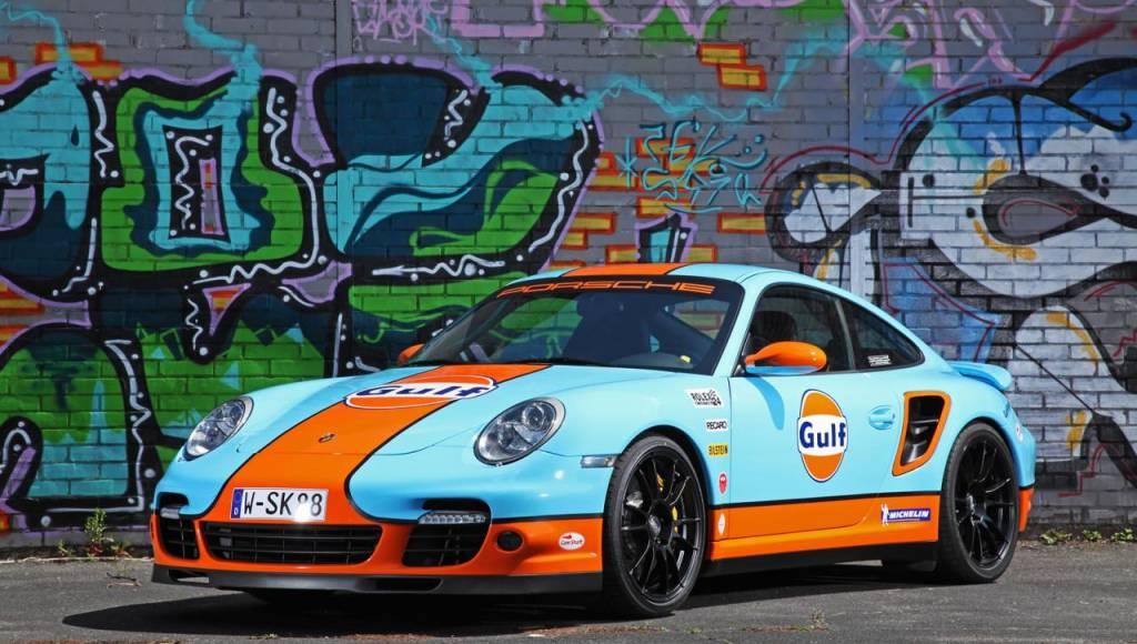 Cam Shaft Porsche 911 dressed in Gulf livery