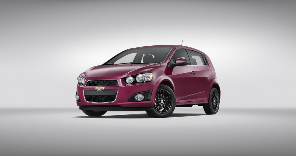 Chevrolet Sonic receives new colours
