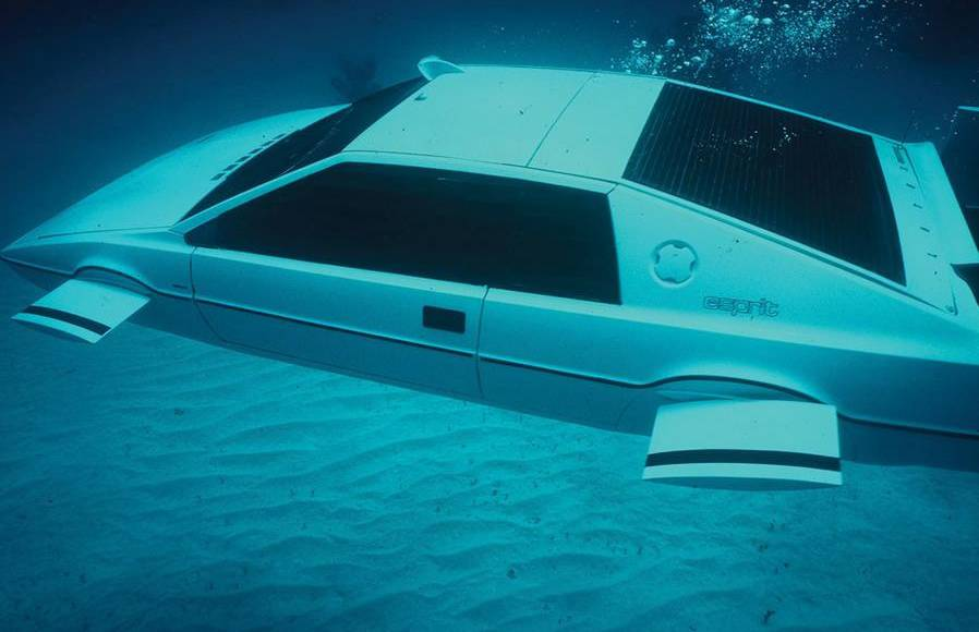 James Bond Lotus Esprit Submarine, to be auctioned in september