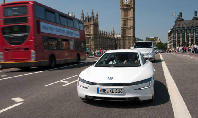 Volkswagen XL1 debuts on the streets of London