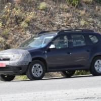 2014 Dacia Duster facelift spied again