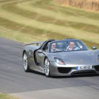 Porsche 918 Spyder debuts at Goodwood