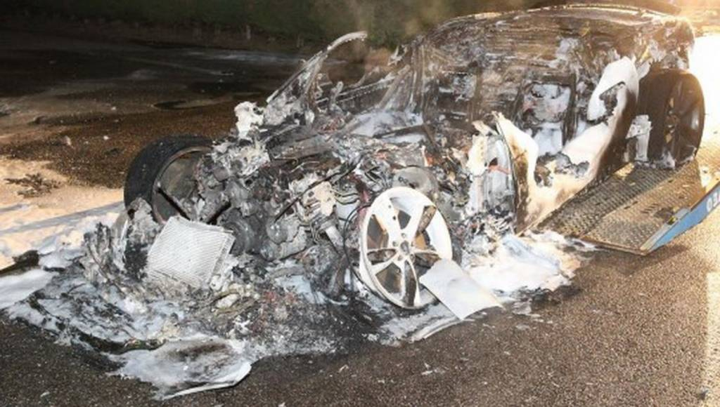 A Jaguar F-Type has turned to ashes in Belgium