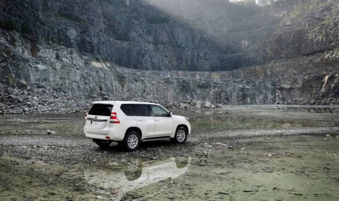 2014 Toyota Land Cruiser facelift unveiled