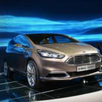 2013 Ford S-Max Concept revealed in Frankfurt