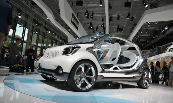 2013 Smart FourJoy Concept bows in Frankfurt