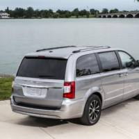 Chrysler Town and Country 30th Anniversary Edition