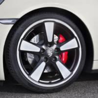 2014 Porsche 911 50 Years flex its muscles in Frankfurt