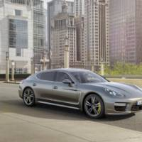 2014 Porsche Panamera Turbo S facelift unveiled