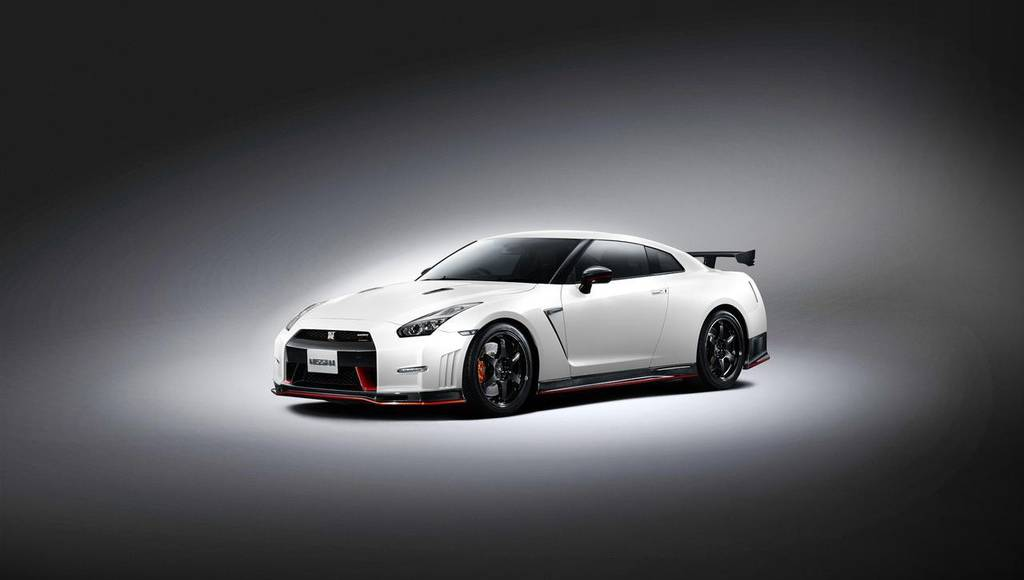 2014 Nissan GT-R Nismo - First official pictures and details